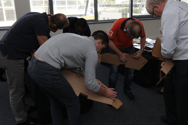 Team building-Baby foot construction- l'assemblage