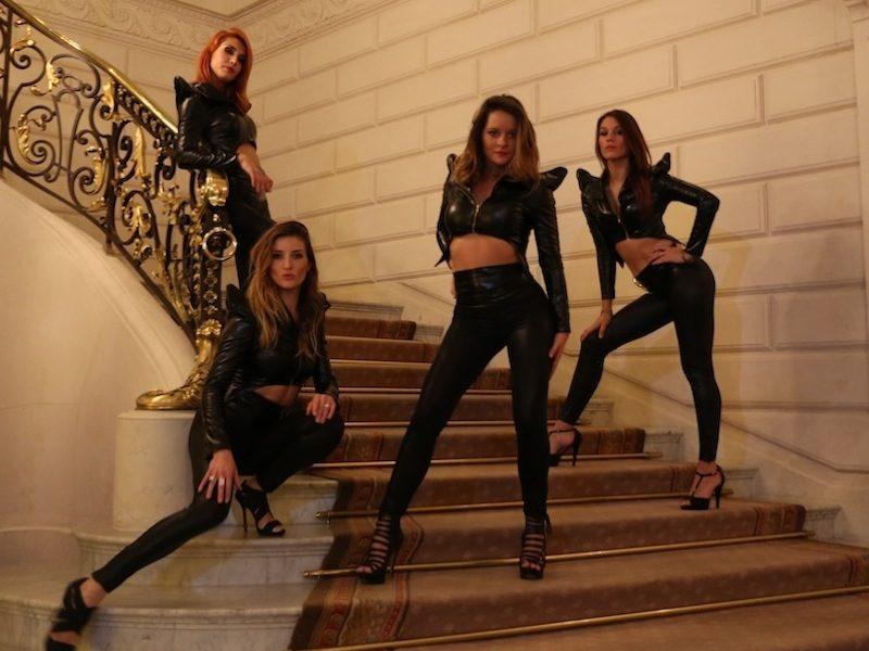 Show Glamour Girls - Tenue Cuir