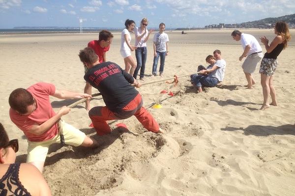 Team building Kho Lanta au Gardon - epreuve tir a la corde