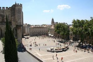 Incentive Avignon événementiel - Place Du Palais Pour La Photo De Groupe
