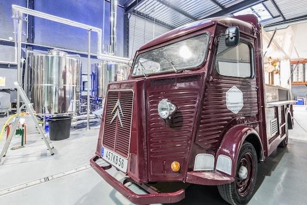 Location Beer Truck Vintage