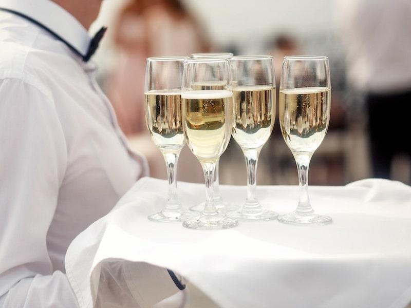 Organiser-des-portes-ouvertes-le-budget-prévisionnel-Service-champagne.jpg